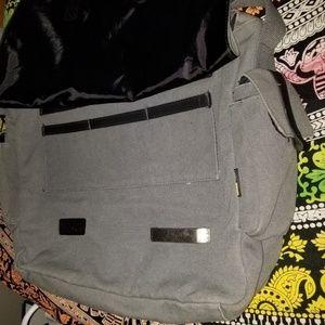 Case Logic Bags - Case Logic Laptop Bag for Men or Women